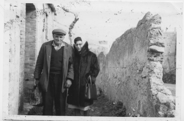 Founders Andrew and Ann Colaruotolo, during the construction of Casa Larga Vineyards