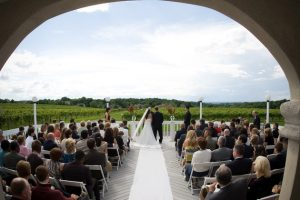 Casa Larga Vineyards winery weddings ceremony