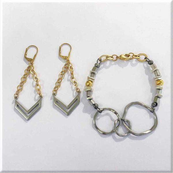 Intermingling Metal Bracelet & Earring Set